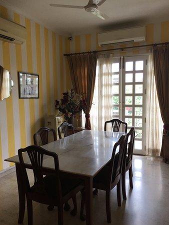 Colonel's Retreat: Dining room