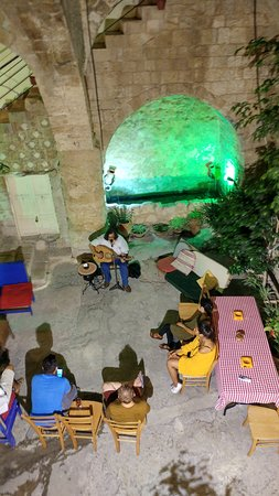 The Fauzi Azar Inn: The artist playing the OUD