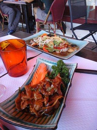 L'Union, Frankreich: legumes wok et porc caramel