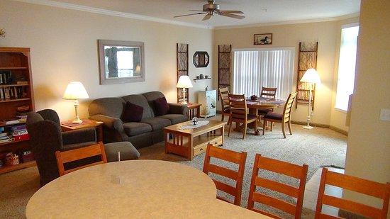 Delavan, WI: Living Area