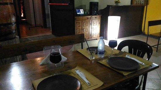 Calascibetta, Włochy: Apeiron Pub