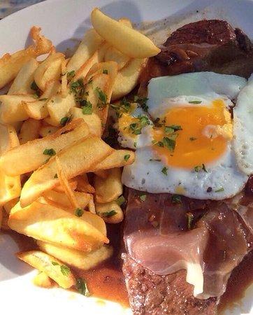Créteil, France : Steak portugais