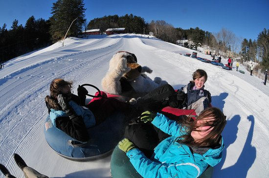 Madison, Nueva Hampshire: Snowtubing at Pine Meadows Tubing Park