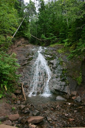 Eagle Harbor, MI: This waterfall is a few feet west of the Jampot