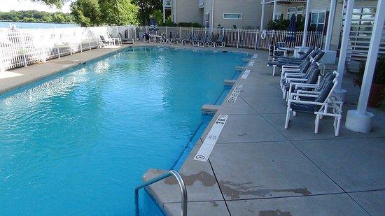 Delavan, WI: Outdoor Pool