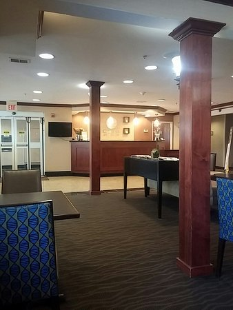 Comfort Inn & Suites Airport Dulles-Gateway: 20160824_115000_large.jpg