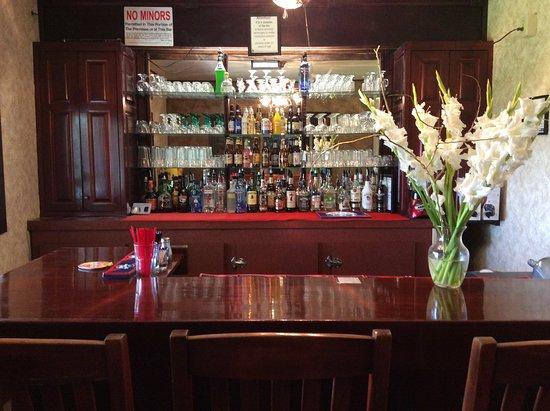 Jordan Valley, OR: We offer a full bar.