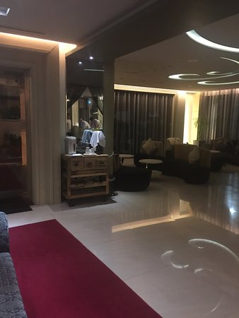 Forward Hotel - Songjiang: 台北馥華商旅松江館