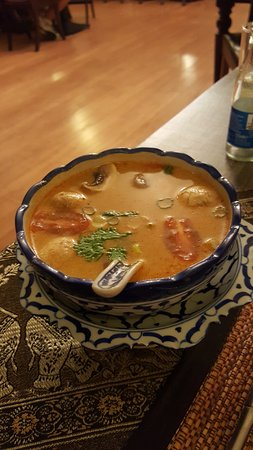 Crowborough, UK: THE tom yum gai