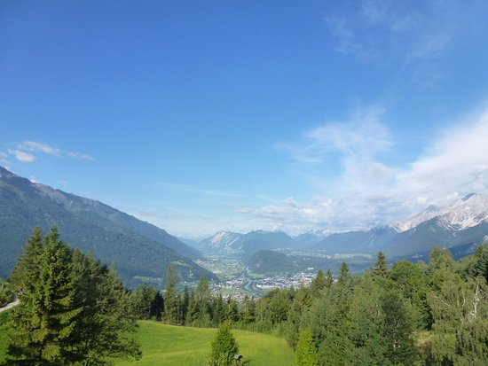 Mösern, Austria: Day time view from room.