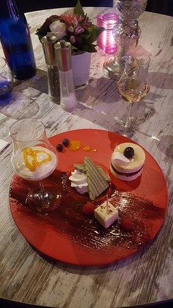 Bilthoven, The Netherlands: Verrassing van de chef met een heerlijke dessertwijn.