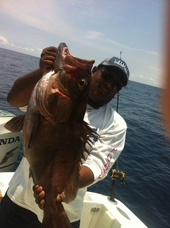 Playa Samara, Costa Rica: cap grouper fishing