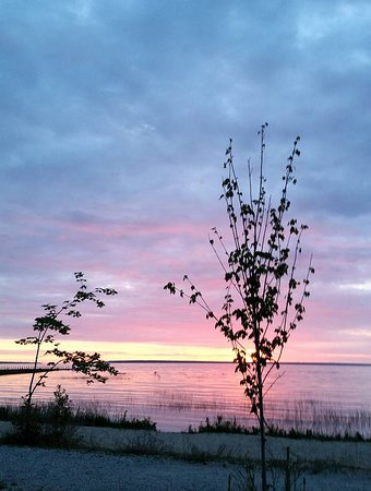 Mackinaw Mill Creek Campground: Beautiful sunrise from our campsite