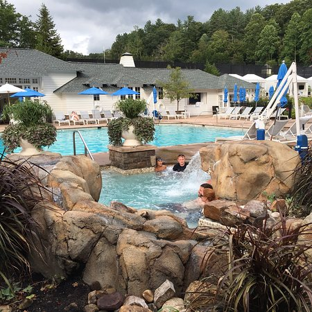Hot Springs, VA: Photos from our one night stay in August 2016.