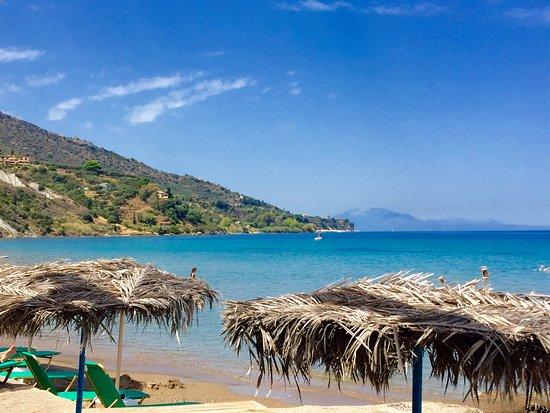 Villa Contessa: Kaminia beach