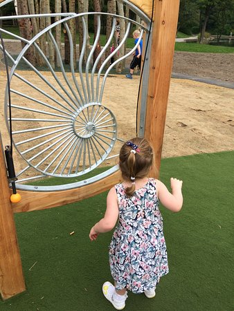 Huddersfield, UK: Small girls play area