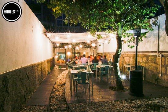 Photo of Seafood Restaurant Moules & Jugs at Rua Miguel Bombarda 216, Porto 4050-377, Portugal