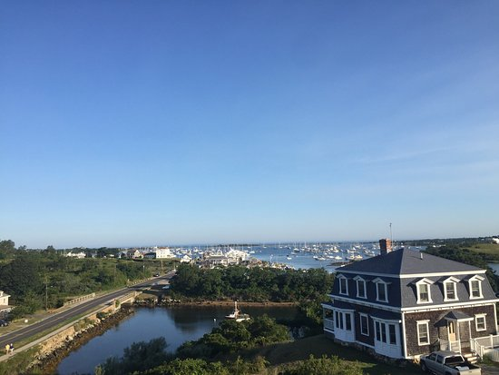 Payne's Harbor View Inn: Morning and sunset, beautiful breeze