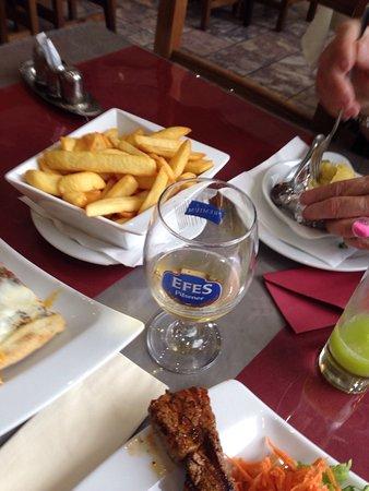 La Louviere, Belgia: Pidé du chef , brochette de bœuf.
