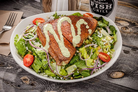Brea, CA: Cajun Seared Ahi Salad