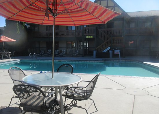 BEST WESTERN Windsor Inn: Swimming Pool, Best Western, Ashland, Oregon