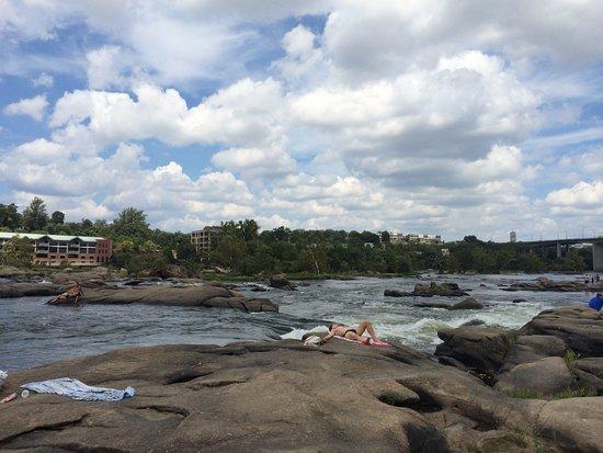 James River: the rocks!