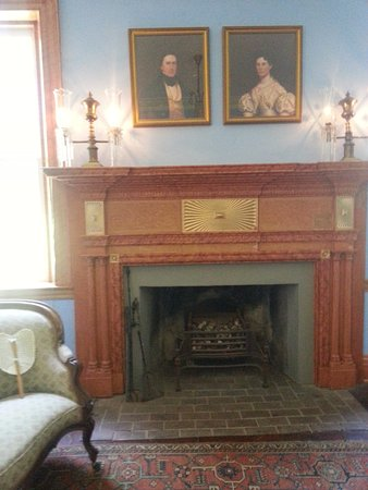 Union, Carolina del Sur: Interior Pic of one of the Fireplaces.