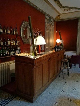 Le Chateau des Alpilles: IMG_20160815_194031_large.jpg