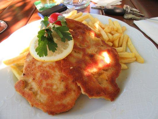 Vorarlberg, Østerrike: Schnitzel auf Wiener Art