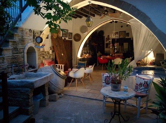 Kalavasos, Cyprus: Internal area of the guesthouse