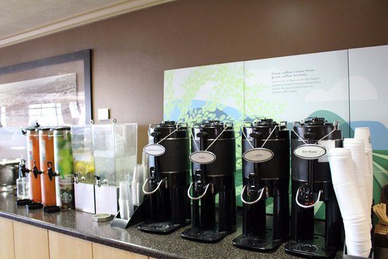 University Guest House & Conference Center: Starbucks coffee and Tazo Tea in the lobby