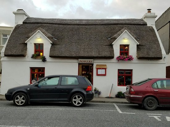 Oughterard, Irlanda: 20160808_205321_large.jpg