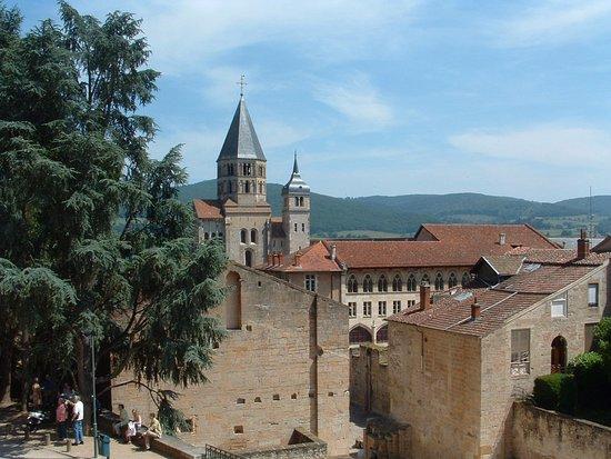 Cluny, Prancis: Una veduta d'insieme