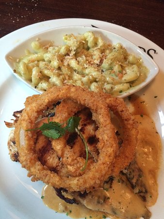 Gainesville, VA: Firebirds Wood Fired Grill