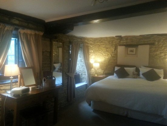 Great Rissington, UK: Love this room. Immaculate, homely, stunning. Sherborne suite xx
