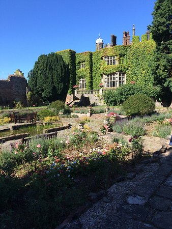 Eastwell Manor: photo2.jpg