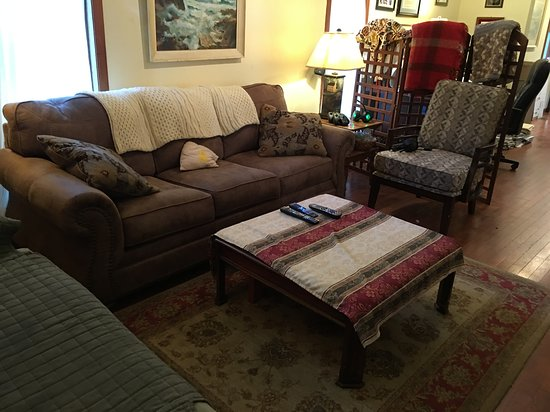 Madison, VA: Lower lounge