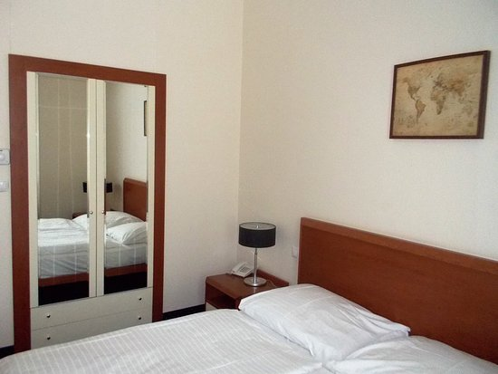 Hotel Europa: Zimmer