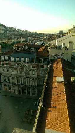 VIP Executive Eden Aparthotel: from the roof you can see Elevador de Santa Justa