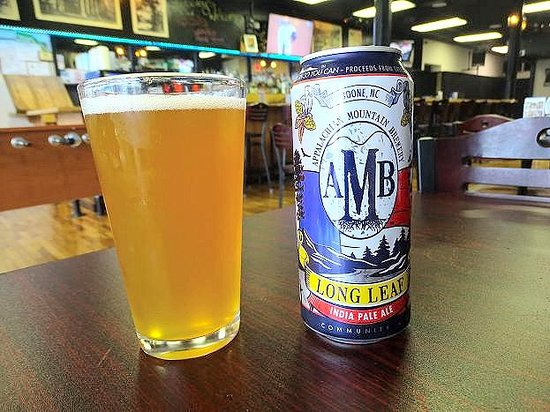 Wilkesboro, Carolina do Norte: only have canned and bottled beer