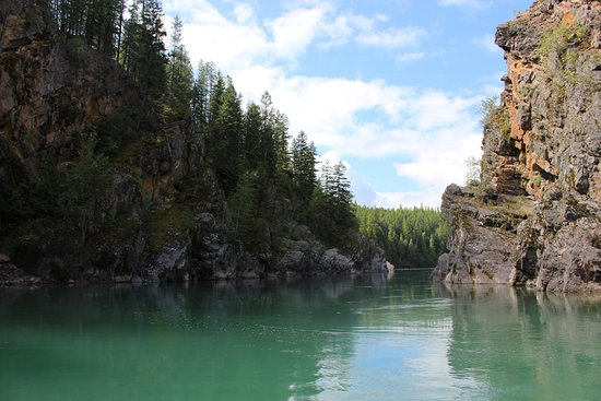 West Glacier, MT: Beautiful water and scenery