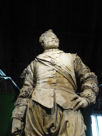 Yelverton, UK: A statue of Sir Francis Drake
