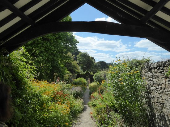 Yelverton, UK: The cider house gardens