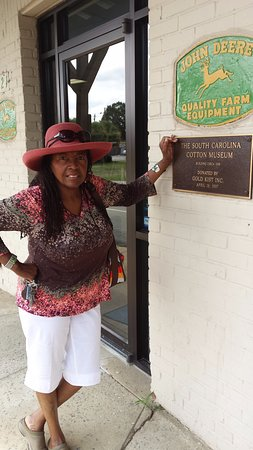 Bishopville, SC: Standing out side the Cotton Museum before entry.
