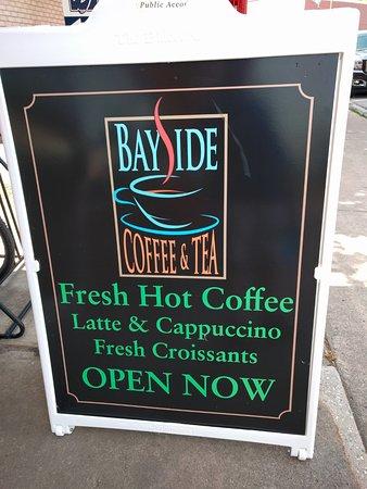 Suttons Bay, มิชิแกน: Bayside Coffee & Tea