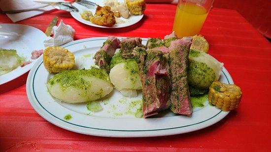 Tegueste, Spain: Buena comida, mejor trato