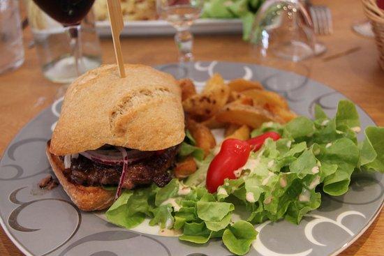 La Chaise-Dieu, Frankrike: burger au f gras