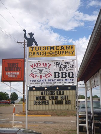Watson's Bbq: ...fun store, bakery and restaurant combined