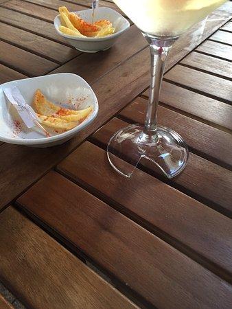 Province of Pontevedra, Spania: Increíble que te pongan una copa así y una tapa así