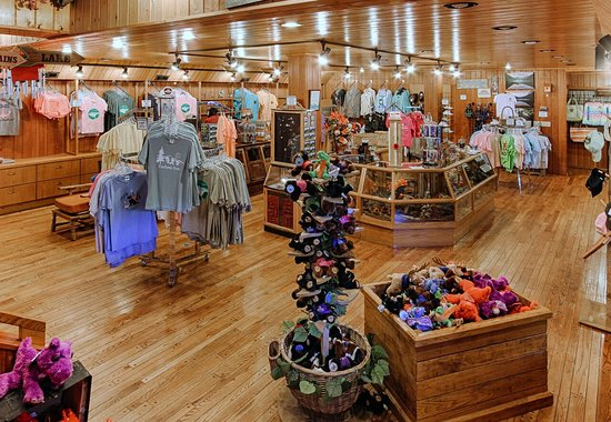 Fontana Village Resort: General Store and Outfitter